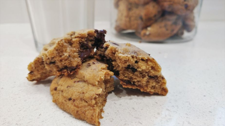 chocolate chip cookies_a_SMALL