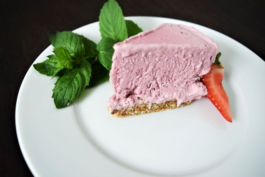 vegan strawberry cheesecake_c_small